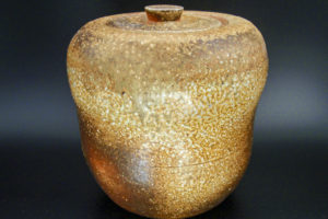 Stoneware cold water pot