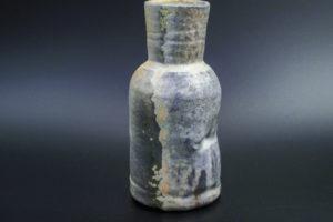 Flaschenvase, feines Porzellan, sehr intensive Reduktionsspuren